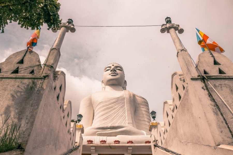 Buda Montaña Kandy