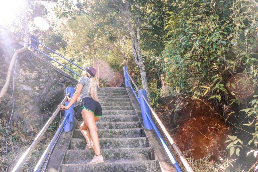 templo de la cueva del tigre krabi