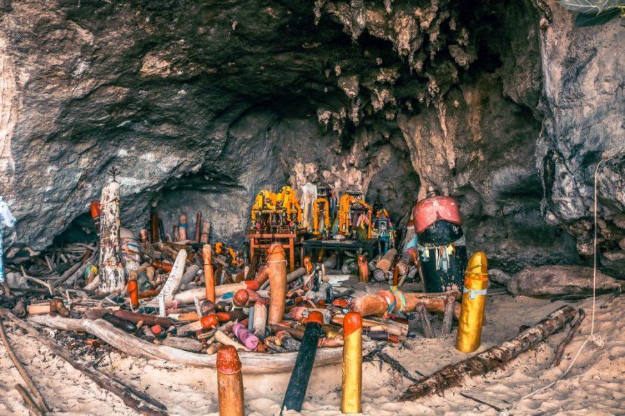 Cueva de la fertilidad Phra Nang