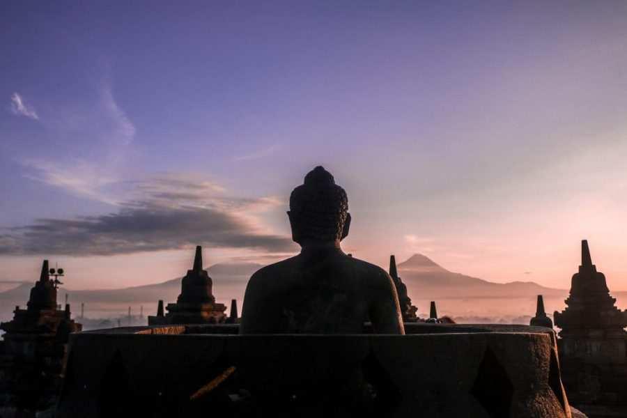 templo budista mas grande del mundo en indonesia