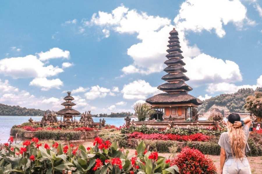 templo del lago bali