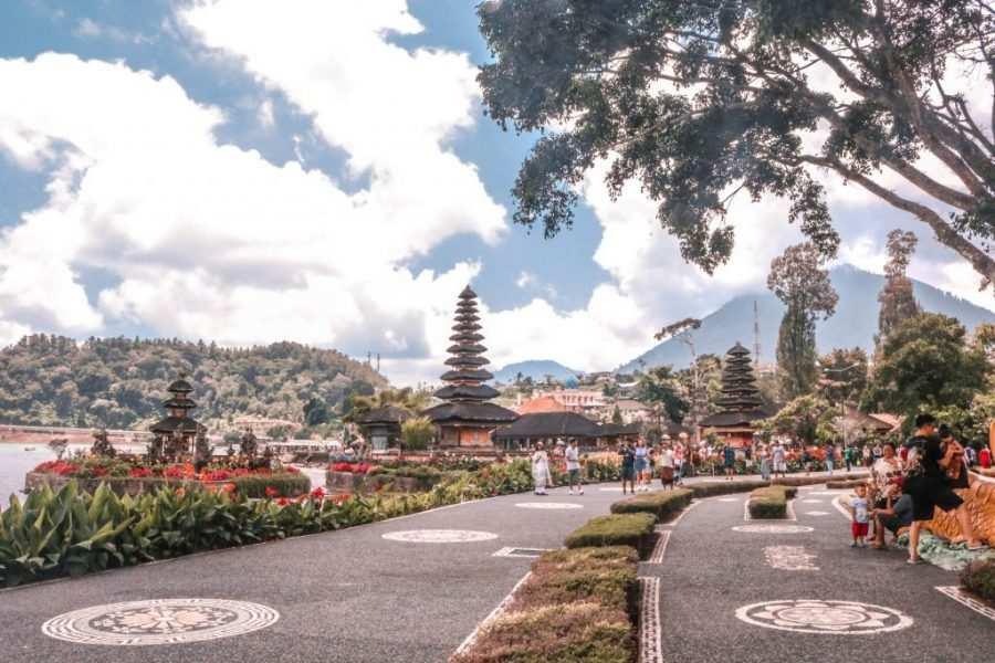 templo lago bratan